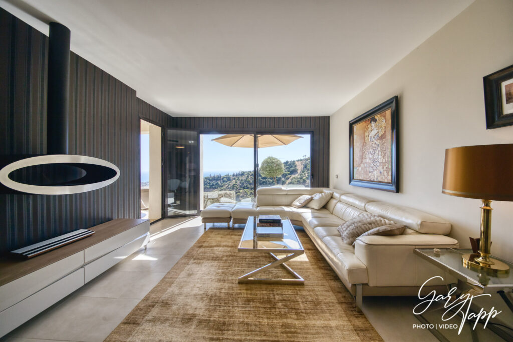 Real Estate Photographer in Elviria
